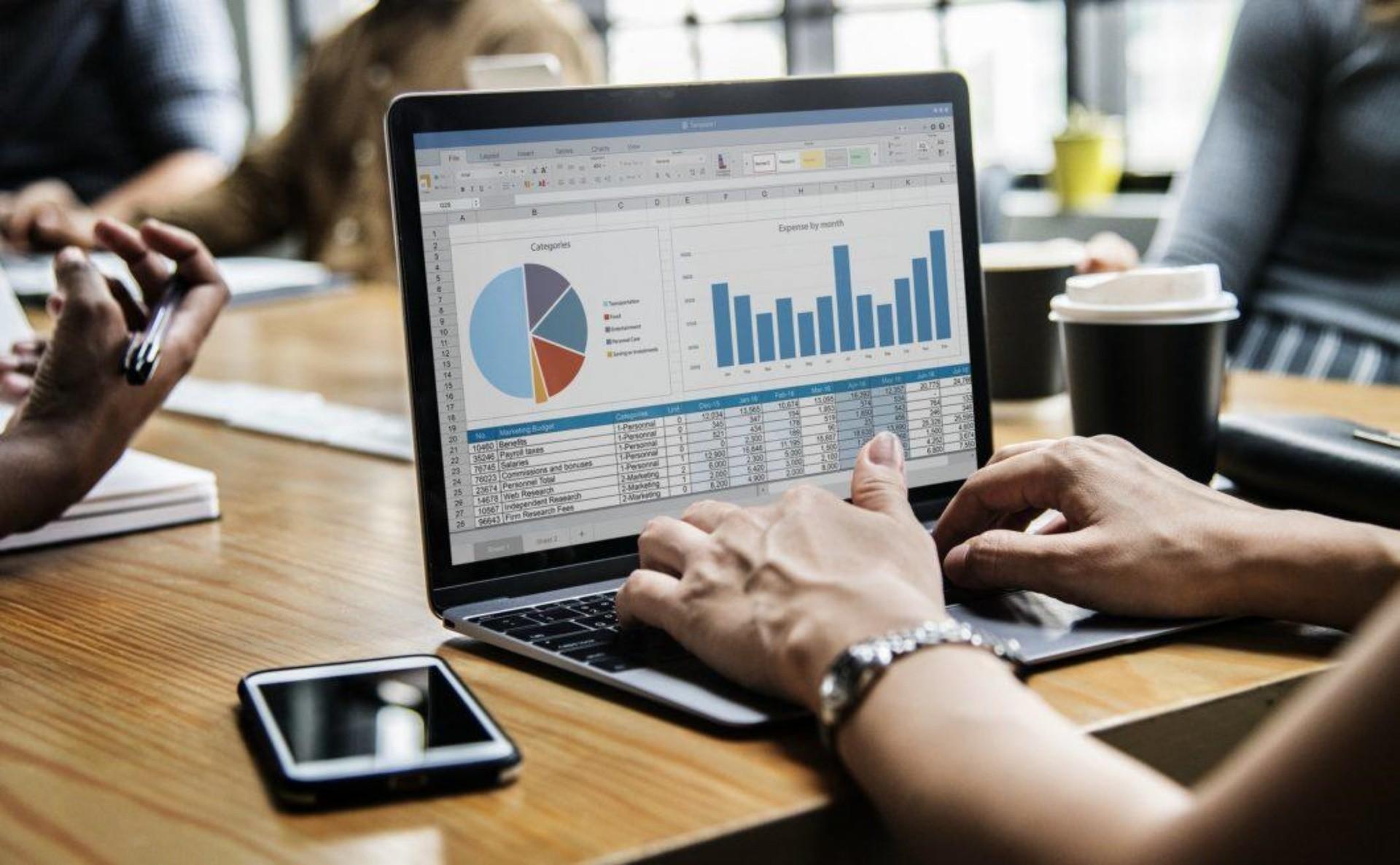 Top 5 softuri utilizate de contabilii din România - Articol scris de  Dorotheea Mizu